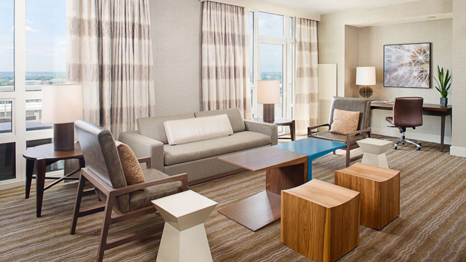 Presidential West Suite